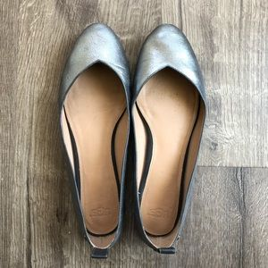 UGG Gunmetal Grey Leather Round Toe Flats 7.5